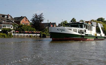 Faehre Hamburg Estelinie