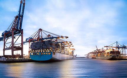 Faehre Hamburg Container